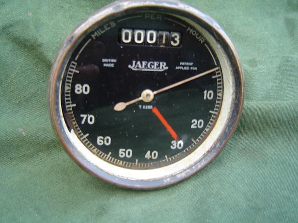 JAEGER  T 6280  80 miles speedo pre war teller tachometer