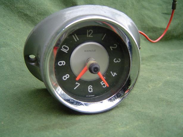 KIENZLE 12 volt autoklokje carwatch clock uhr