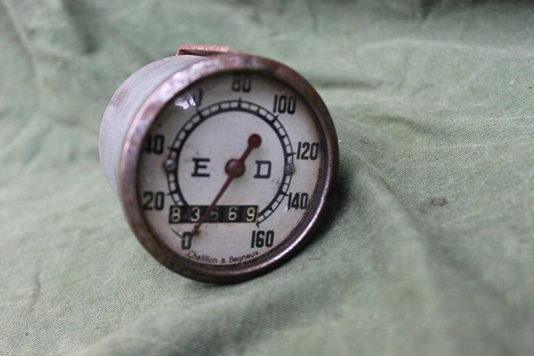 E.D. France 160 KM speedometer kilometer teller tachometer jaren 40