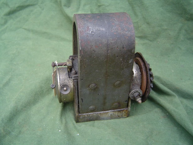 BOSCH DAV 1909 / 1910 50 degrees twin horse shoe magneto zundgnet SOLD