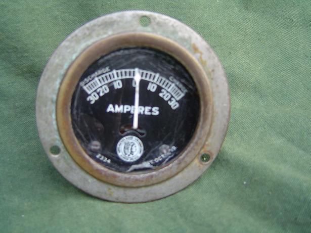 ammeter MOTO METER GAUGE and EQUIP La Crosse USA  30 / 30 A