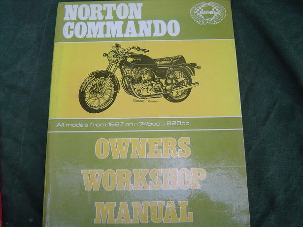 NORTON COMMANDO 750 en 850 cc from 1967 onwards fastback , roadster