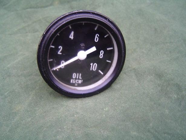 olie druk meter 10 KG/CM 2 SKC ?? oil pressure gauge oeldruckmesser