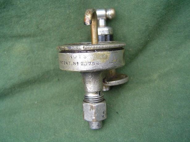 olie drupperlaar oil feeder 1920's motorcycle  ENOTS drip feeder ROYAL ENFIELD ???