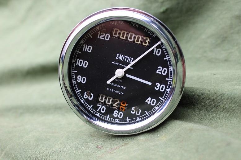 SMITHS S467/163/N 120 MPH  chronometric speedometer mijlenteller tachometer