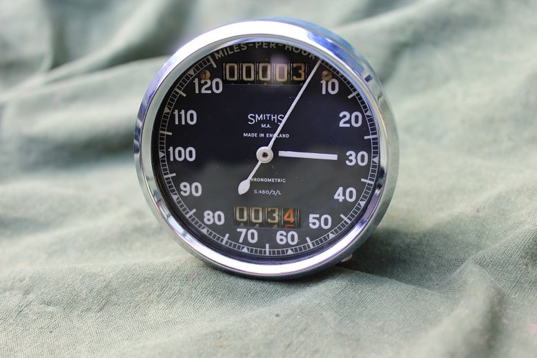 SMITHS S480/3/L 120 miles chronometric speedometer tacho