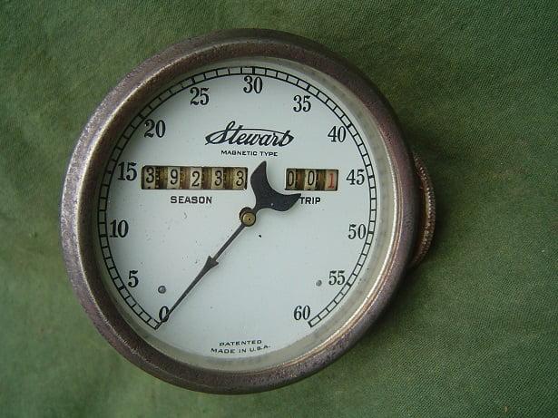 STEWART USA 60 miles magnetic  speedometer 1920's mijlen teller