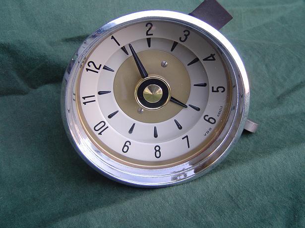 VDO KIENZLE 1956 auto klok carwatch pkw uhr BORGWARD ??