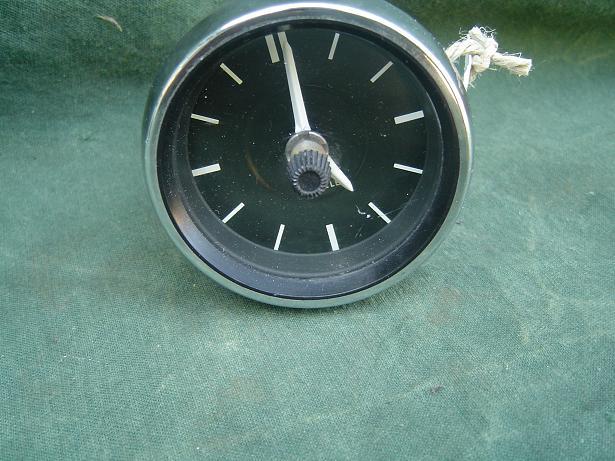 VDO KIENZLE  12 volt 1968 PKW uhr Mercedes ?  car clock auto klokje