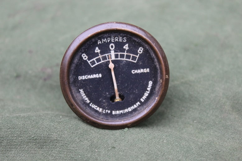 Joseph Lucas CZ27 8 – 8 ampere meter CZ 27 ammeter dated 1943 WD  SOLD