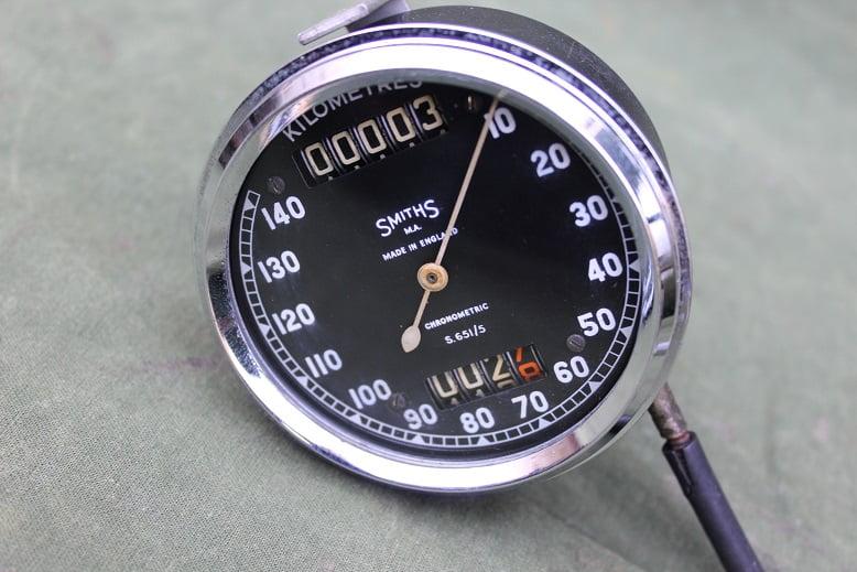 SMITHS S 651/5 140 KM chronometric speedometer kilometer teller Panther tacho