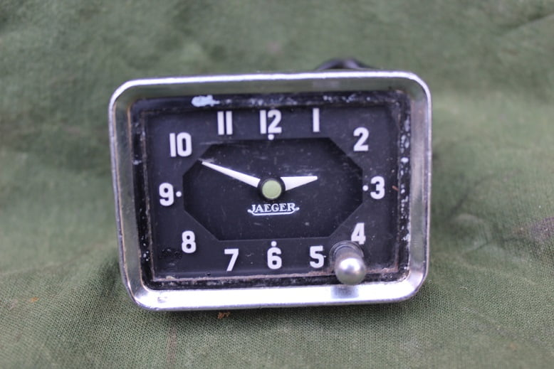 JAEGER 6 volts auto klokje PKW uhr car clock 1960's ?