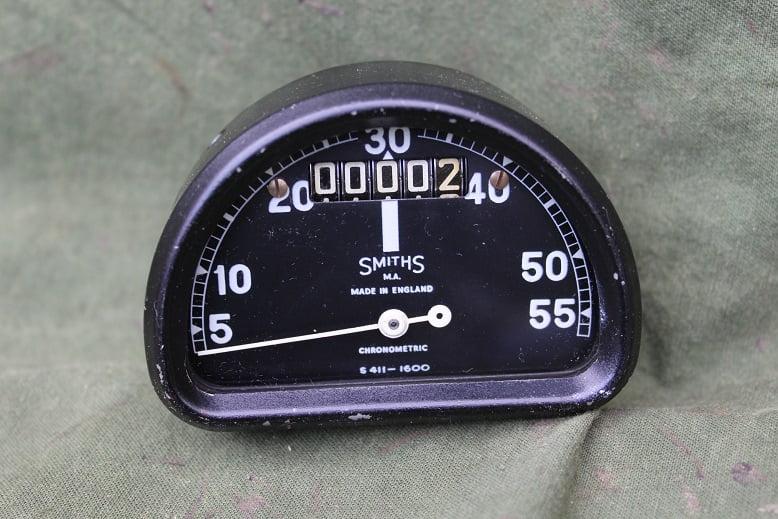 SMITHS S411 – 1600 55 miles D type chronometric speedometer mijlen teller BSA Bantam ?
