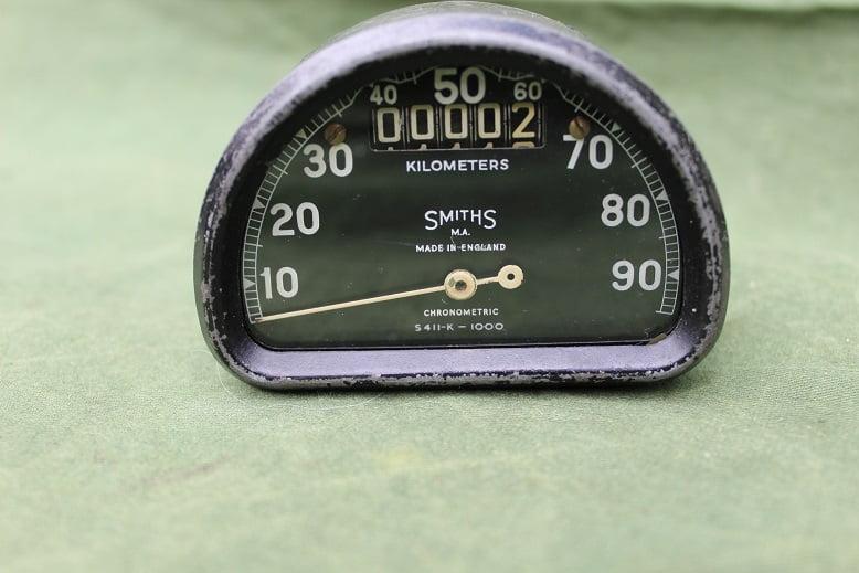 SMITHS S411-K 90 km D type chronometric kilometer teller speedometer tacho