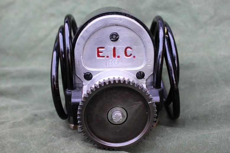 E.I.C. 180 graden ontstekings magneet 180 degrees magneto 1920 's Douglas ? zundmagnet HELD