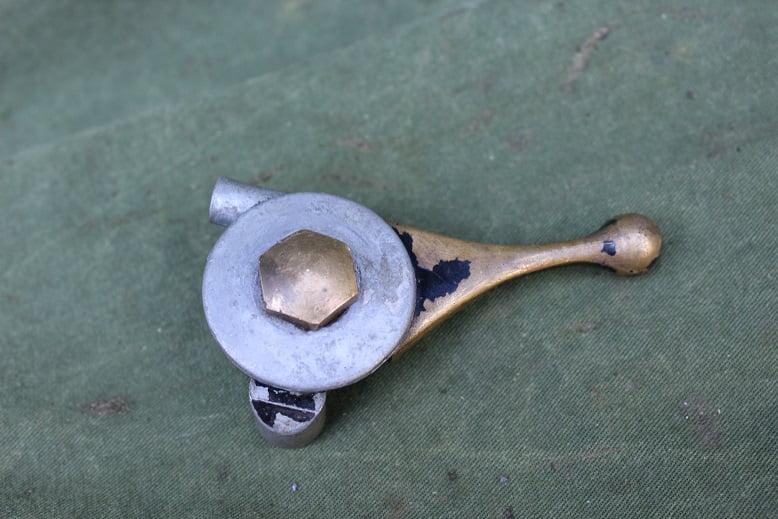 choke manette brons / legering 1940's WD model ? leger uitvoering ? lever Amal ?