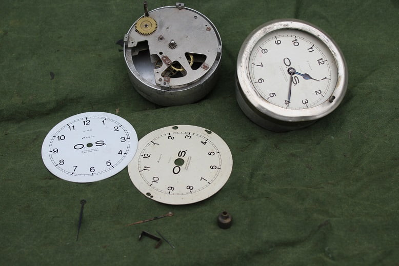 O.S. 1930's  auto klokjes car clock pkw uhr