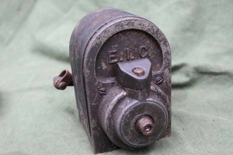 E.I.C.  type A1 1920's ontstekings magneet magneto zundmagnet