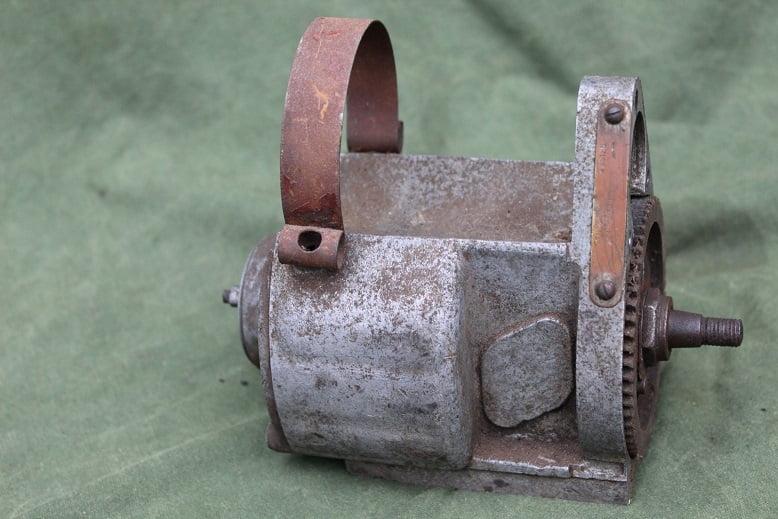 LUCAS MO1'4 AG4 1944 magneto zundmagnet ontstekings magneet WD