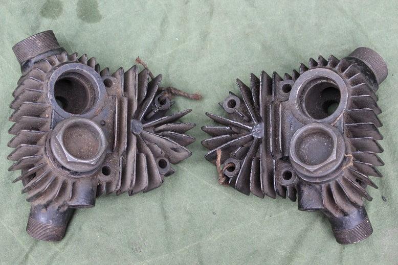 DOUGLAS 600cc SV 1927 / 28 ? SB ? NOS cylinder heads cilinder koppen zylinder kopf
