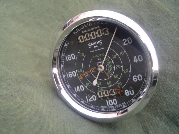 SMITHS S467/47/L TRIUMPH 6T chronometric 180 KM kilometer teller speedometer tacho