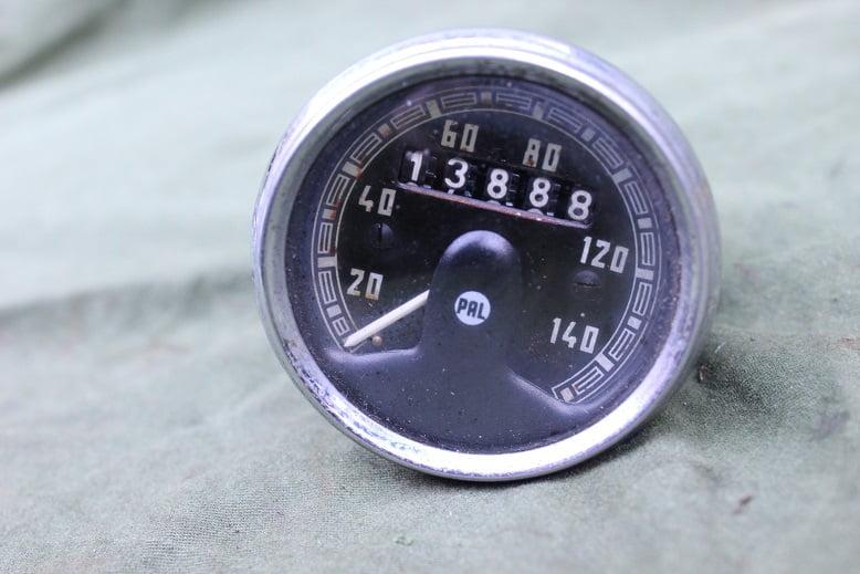 PAL 140 km teller speedometer tacho kilometer teller