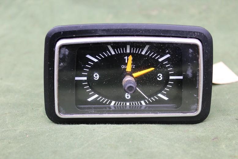 VDO FORD 12 volts auto klokje car clock PKW uhr Escort Fiesta Capri ??