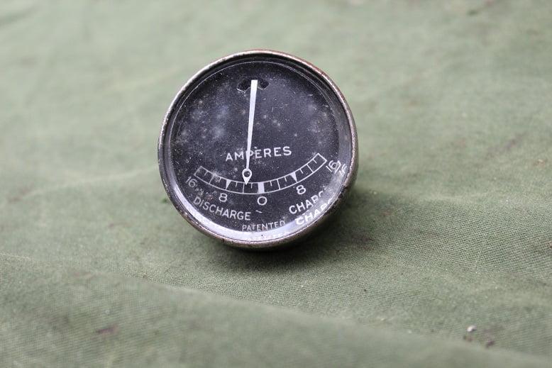 LUCAS ?? 16 – 16 ampere meter ammeter