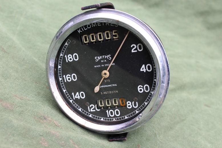 SMITHS S467/207/N 180 KM chronometric kilometer teller speedometer tacho