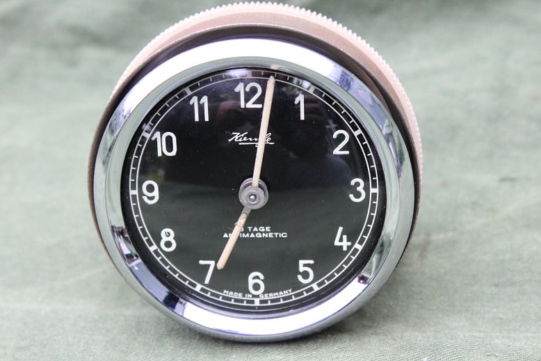 KIENZLE antimagnetic 8 tage 1950's pkw uhr auto klokje car clock black face