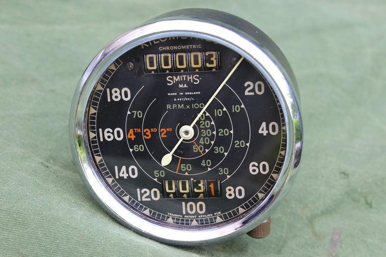 SMITHS S467/23/L 180 KM chronometric kilometer teller speedometer tacho Triumph