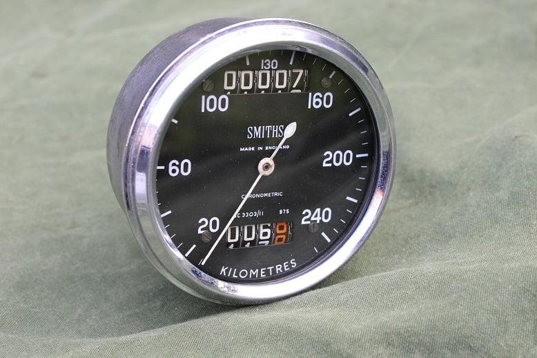 SMITHS SC3303/11 240 KMH chronometric kilometer teller speedometer tacho  HELD reserved