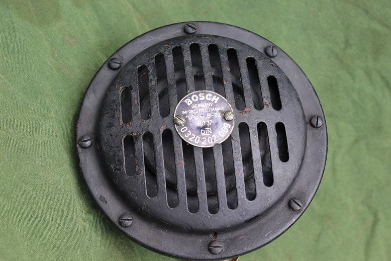 BOSCH 032 202 009 12 volts claxon horn hupe mercedes ??