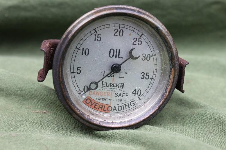 EUREKA 40 Lbs oil pressure gauge  olie druk meter oeldruckmesser 1920 / 1930