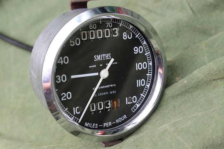 SMITHS SC3304/11 120 Mph chronometric speedometer tacho mijlen teller Triumph ?