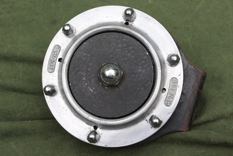 LUCAS ALTETTE HF1234 1952 6 volts claxon horn hupe