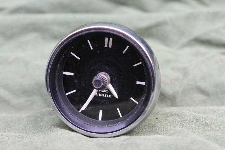 VDO KIENZLE 1971 12 volts klokje clock car watch pkw uhr