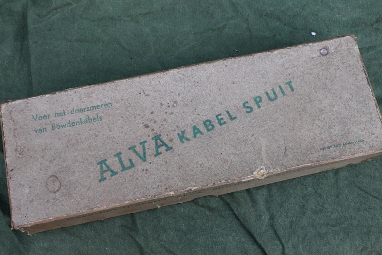 ALVA Bowden kabel vetspuit jaren 50  Bowden cable grease gun