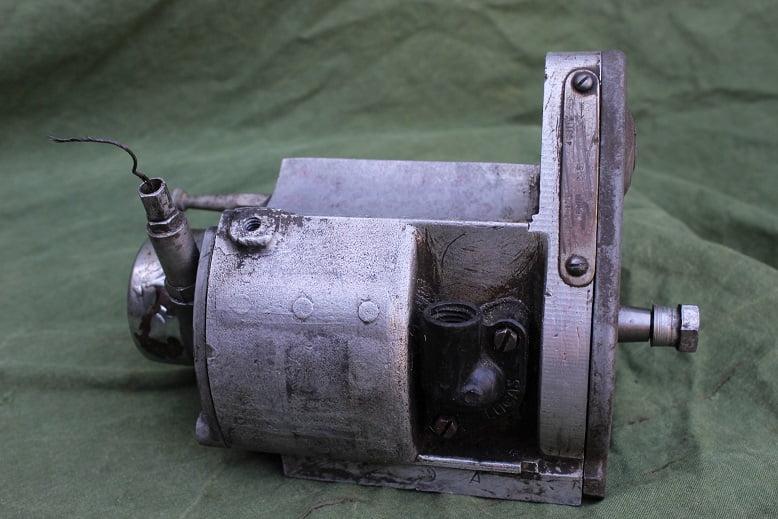 LUCAS MO1″6 1945 ontstekings magneet magneto zundmagnet