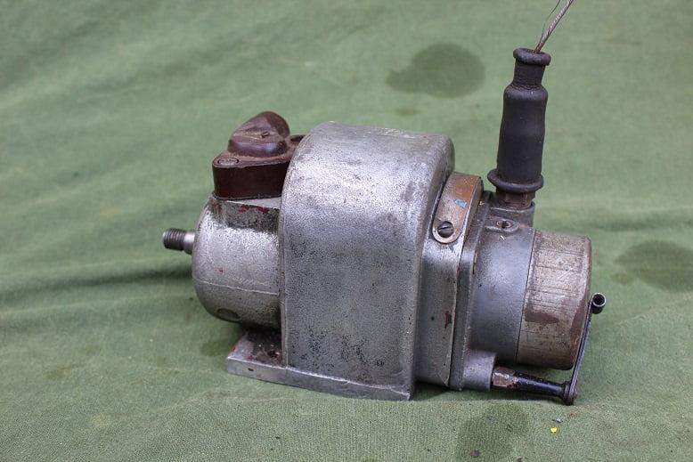 LUCAS N1'4 1944 ontstekings magneet magneto zundmagnet