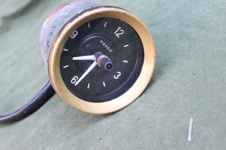KIENZLE 12 volts auto klokje car watch PKW uhr 1970's ?? Mercedes ??
