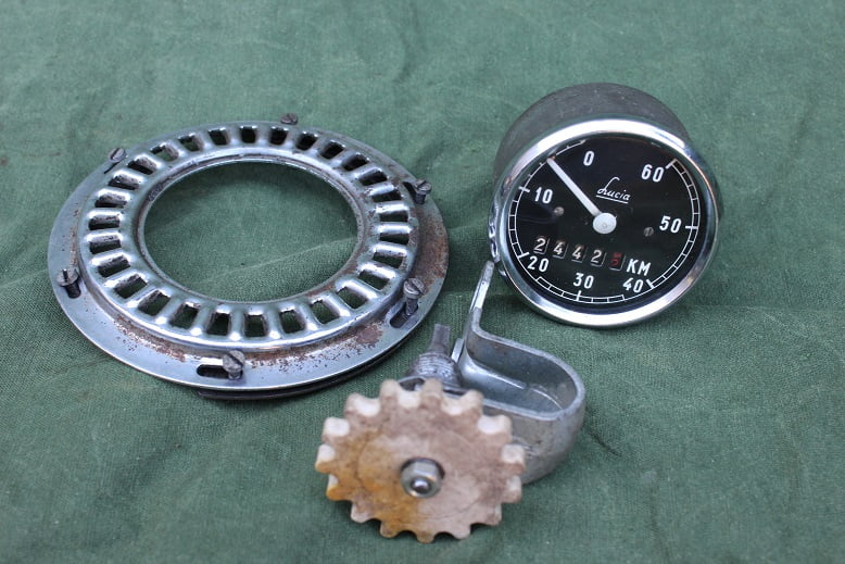 LUCIA 60 KM 1950's kilometer teller tacho speedometer hulpmotor cyclemotor Solex HELD reserved   ??