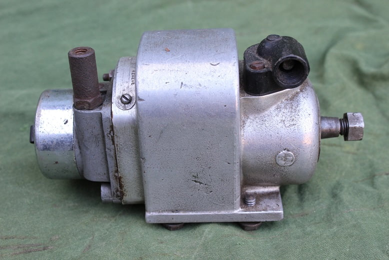 LUCAS N1'4  1950 ontstekings magneet motorcycle  magneto zundmagnet