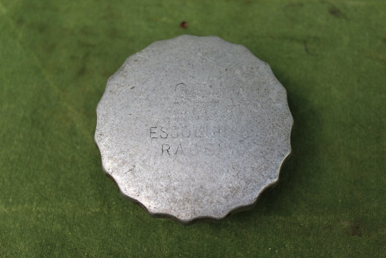 olie dop oell deckel oil cap text ESSOLINE race ??