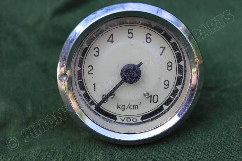 VDO 1968 10 kg/cm 2  olie drukmeter oil pressure gauge part no. 09/19/36