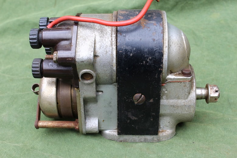 BTH type AG4-5 4 cilinder ontstekings magneet magneto zund magnet aeroplane ??