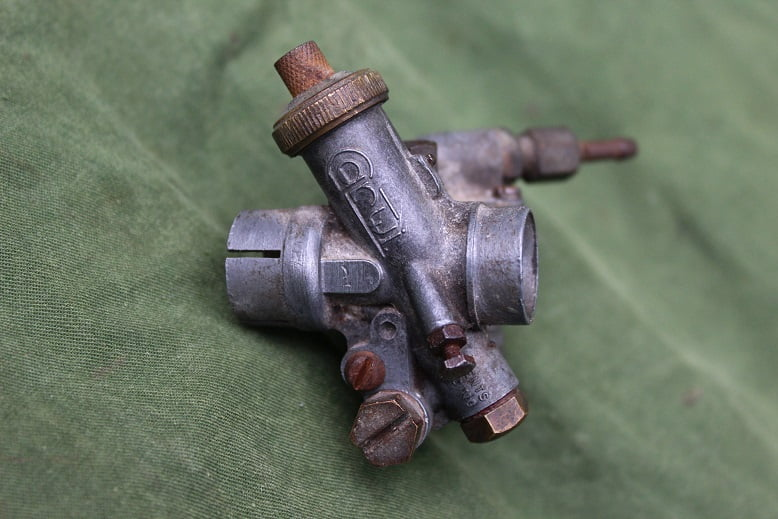 CARWI carburateur 1950's hulpmotor ? cyclemotor hilfsmotor