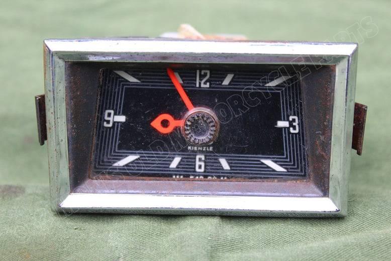 VDO KIENZLE 12 volts 1966 auto klokje car clock PKW UHR Mercedes ? 111 542 00 11