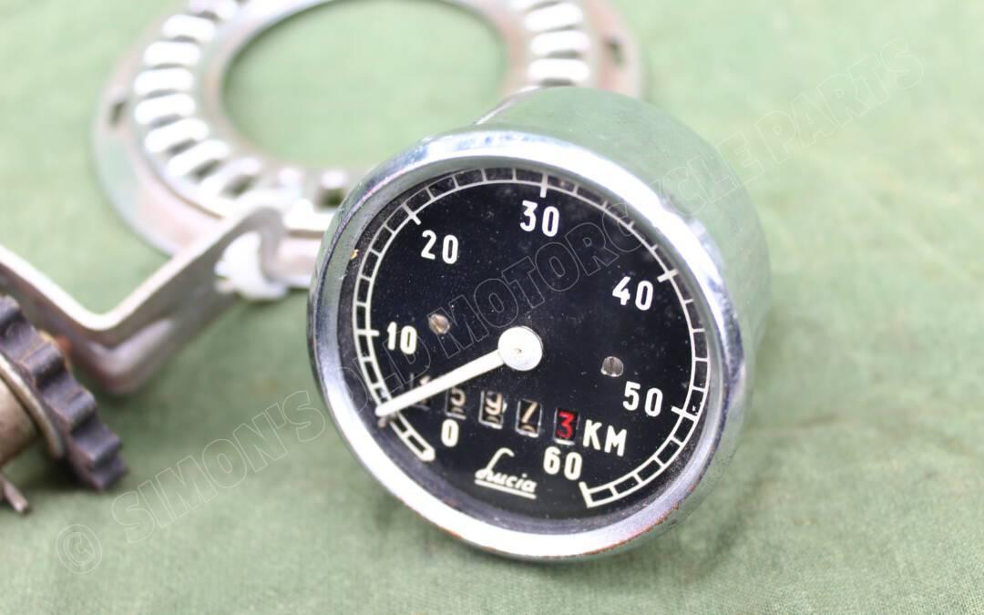 LUCIA 60 KM kilometerteller met aandrijving 1950's bromfiets hulpmotor speedometer tacho